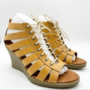 DR. MARTENS MONA STRAPPY LEATHER SANDAL WEDGE SZ 7
